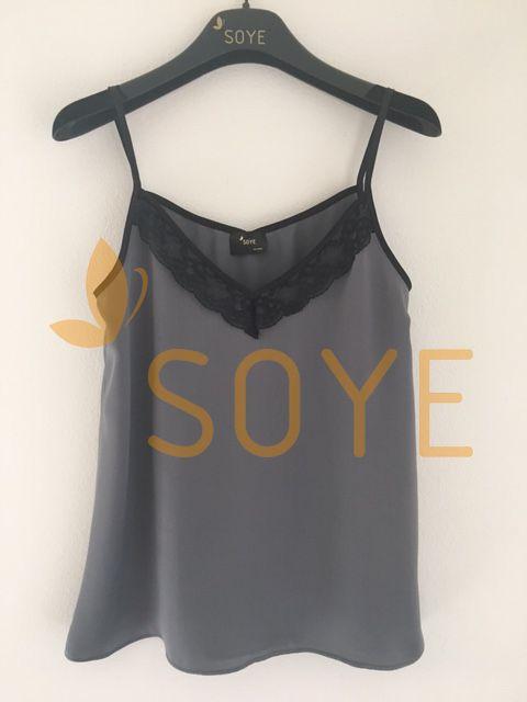 Sivé Čipkované Tielko 2  Soye Clothing